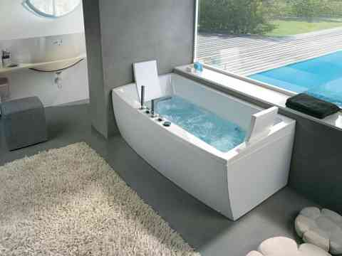 Adorable Side Fixed Bathtub Design