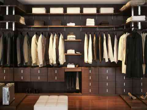 Customized Sliding Walk In Closet Design