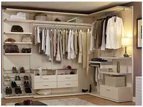 Elegant Walk In Closet Design
