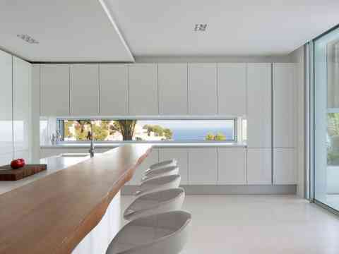 Kitchen Breakfast Bar And Sea View