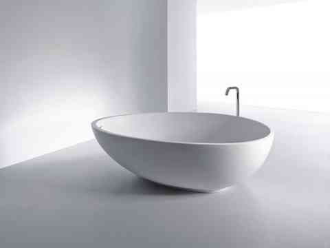 Sophisticated White Egg Shaped Bathtub Design